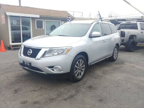 2013 Nissan Pathfinder for sale at Viking Auto Group in Bethpage NY