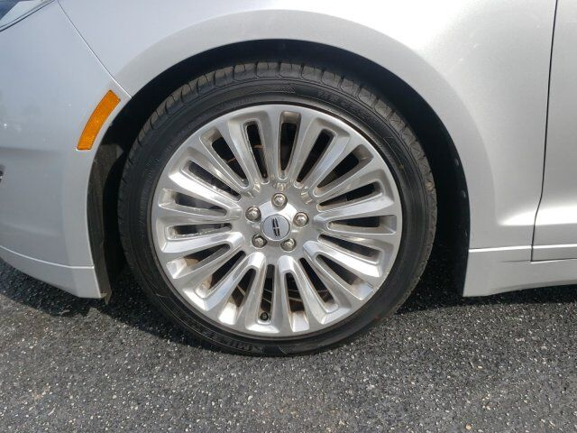 2014 Lincoln MKZ 9