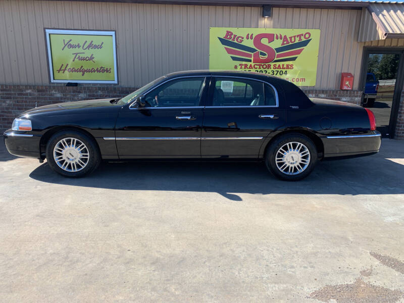 2008 Lincoln Town Car for sale at BIG 'S' AUTO & TRACTOR SALES in Blanchard OK