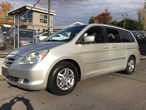 2006 Honda Odyssey for sale at Chuck Wise Motors in Portland OR