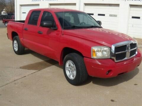 2006 Dodge Dakota for sale at PERL AUTO CENTER in Coffeyville KS