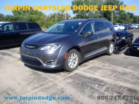 2020 Chrysler Pacifica for sale at Turpin Dodge Chrysler Jeep Ram in Dubuque IA