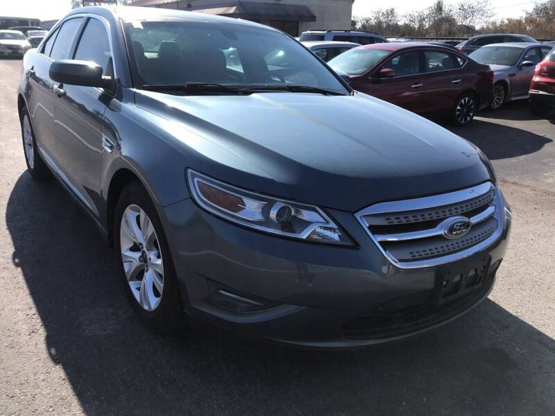 2010 Ford Taurus for sale at Tennessee Auto Brokers LLC in Murfreesboro TN
