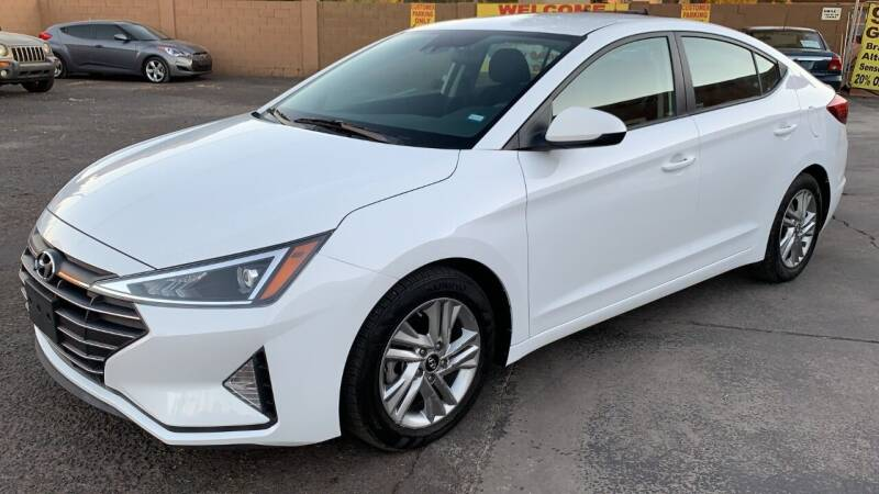 2020 Hyundai Elantra for sale at 911 AUTO SALES LLC in Glendale AZ