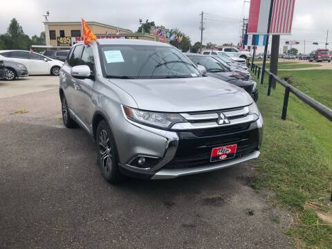2018 Mitsubishi Outlander for sale at FREDY CARS FOR LESS in Houston TX