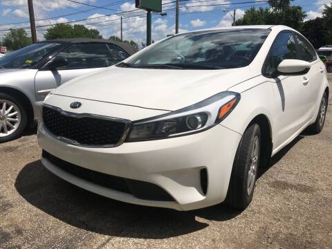 2017 Kia Forte for sale at GREENLIGHT AUTO SALES in Akron OH