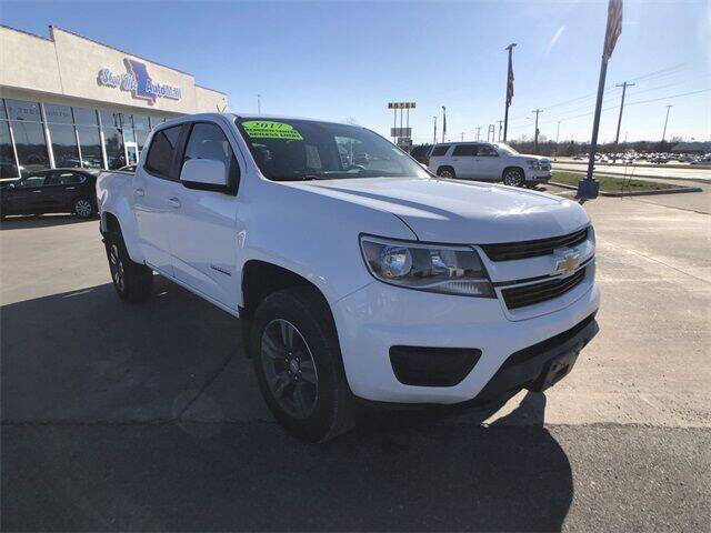 2017 Chevrolet Colorado for sale at Show Me Auto Mall in Harrisonville MO