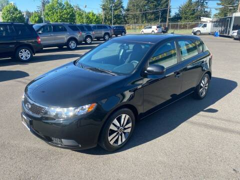 2013 Kia Forte5 for sale at Vista Auto Sales in Lakewood WA
