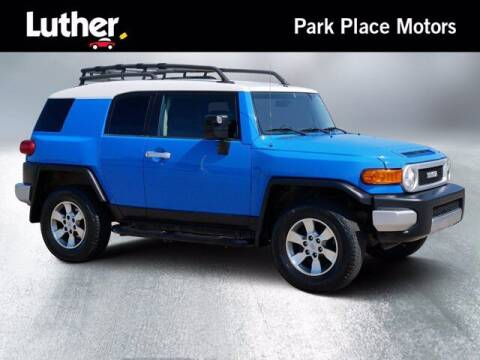 2007 Toyota FJ Cruiser for sale at Park Place Motor Cars in Rochester MN
