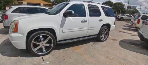 2009 GMC Yukon for sale at AUTOTEX FINANCIAL in San Antonio TX