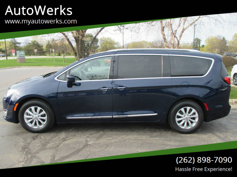 2018 Chrysler Pacifica for sale at AutoWerks in Sturtevant WI