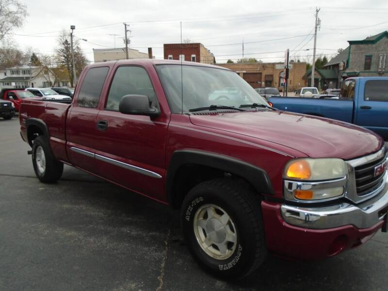 2004 GMC Sierra 1500 for sale at NORTHLAND AUTO SALES in Dale WI