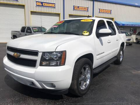 2007 Chevrolet Avalanche for sale at RoMicco Cars and Trucks in Tampa FL