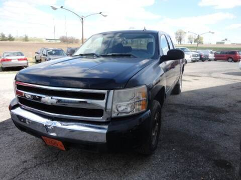 2008 Chevrolet Silverado 1500 for sale at CARZ R US 1 in Heyworth IL