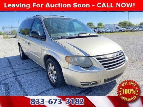 2005 Chrysler Town and Country for sale at Glenbrook Dodge Chrysler Jeep Ram and Fiat in Fort Wayne IN