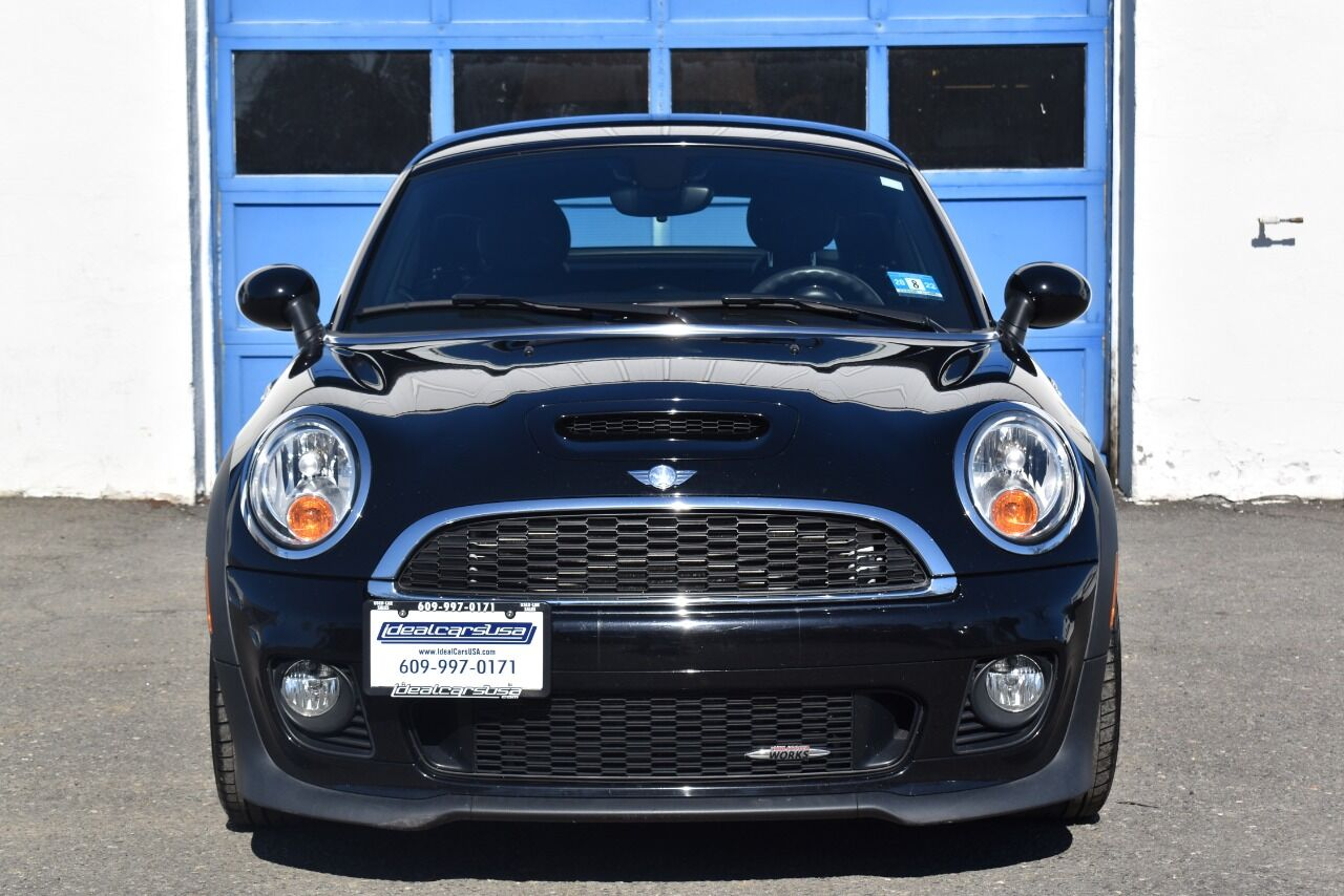 2013 MINI Coupe John Cooper Works 2dr Coupe full