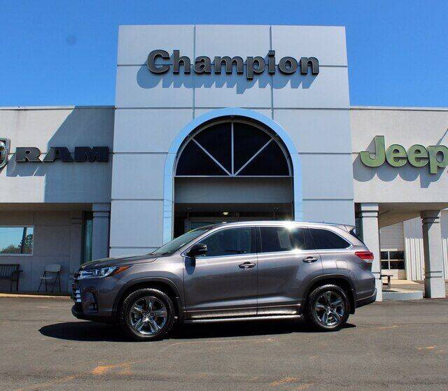 2019 Toyota Highlander for sale at Champion Chevrolet in Athens AL