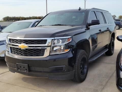2018 Chevrolet Suburban for sale at Lipscomb Auto Center in Bowie TX