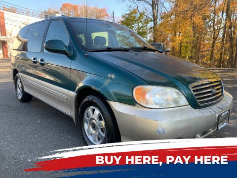 2003 Kia Sedona for sale at AUTO TRADE CORP in Nanuet NY