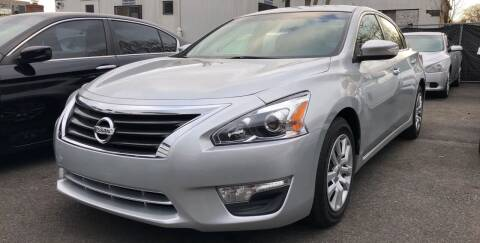 2013 Nissan Altima for sale at OFIER AUTO SALES in Freeport NY