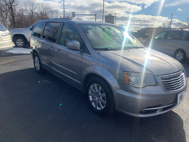 2014 Chrysler Town and Country for sale at GENE AND TONYS DEMOTTE AUTO SALES in Demotte IN