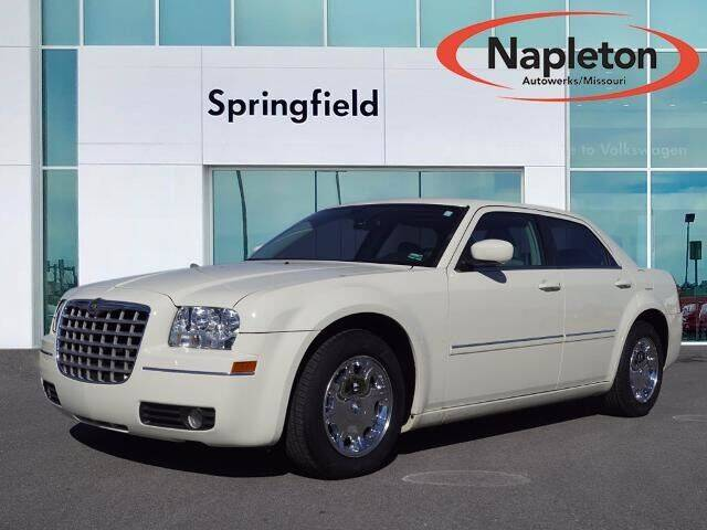 2006 Chrysler 300 for sale at Napleton Autowerks in Springfield MO