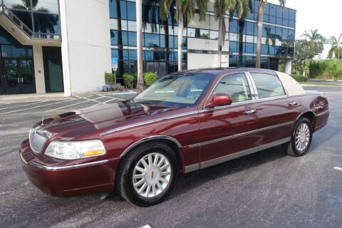 2004 Lincoln Town Car for sale at SR Motorsport in Pompano Beach FL