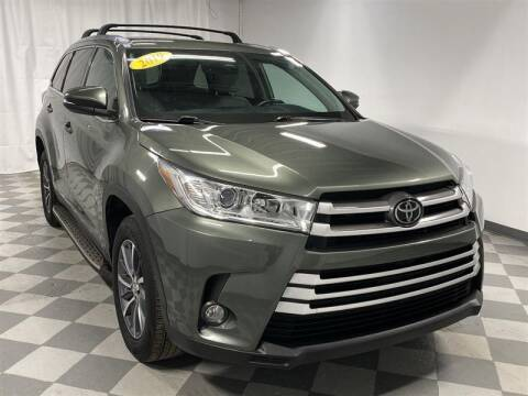2019 Toyota Highlander for sale at Mr. Car City in Brentwood MD