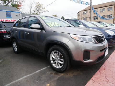 2014 Kia Sorento for sale at M & R Auto Sales INC. in North Plainfield NJ