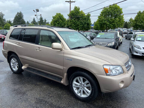 2006 Toyota Highlander Hybrid for sale at Pacific Point Auto Sales in Lakewood WA