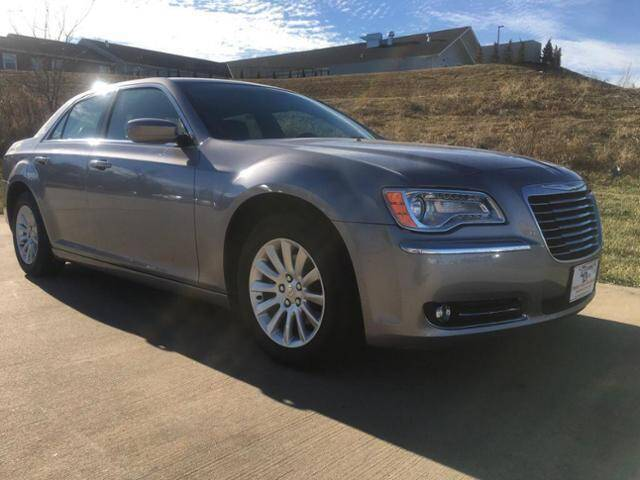 2014 Chrysler 300 for sale at MODERN AUTO CO in Washington MO