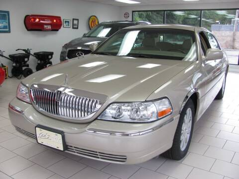 2007 Lincoln Town Car for sale at Kens Auto Sales in Holyoke MA