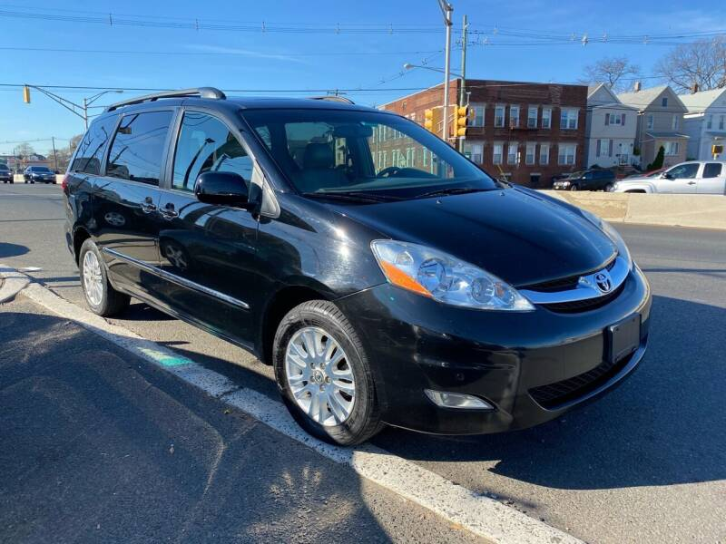 2008 Toyota Sienna for sale at G1 AUTO SALES II in Elizabeth NJ