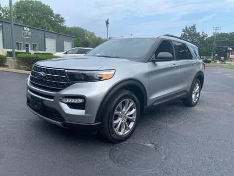 2020 Ford Explorer for sale at Triangle Auto Sales in Elgin IL