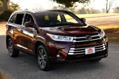 2018 Toyota Highlander for sale at Auto House Superstore in Terre Haute IN