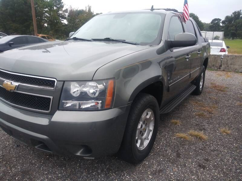 2011 Chevrolet Avalanche for sale at Auto Credit Xpress - Sherwood in Sherwood AR