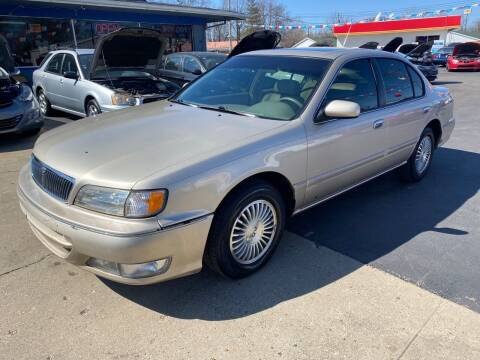 1998 Infiniti I30 for sale at Wise Investments Auto Sales in Sellersburg IN