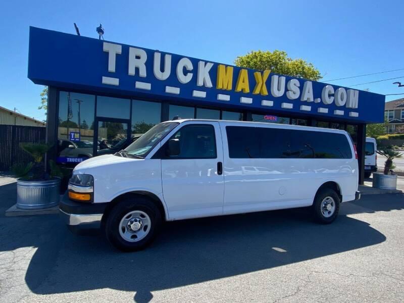 2018 Chevrolet Express Passenger for sale in Petaluma, CA