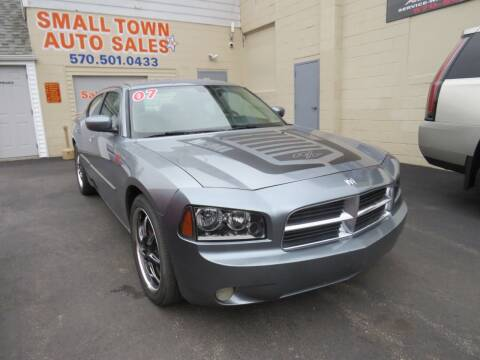 2007 Dodge Charger for sale at Small Town Auto Sales in Hazleton PA