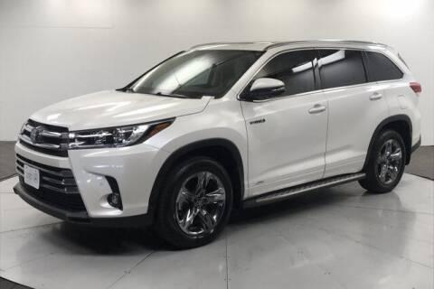 2019 Toyota Highlander Hybrid for sale at Stephen Wade Pre-Owned Supercenter in Saint George UT