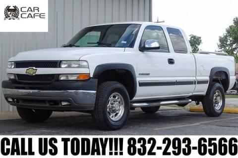 2001 Chevrolet Silverado 2500HD for sale at CAR CAFE LLC in Houston TX
