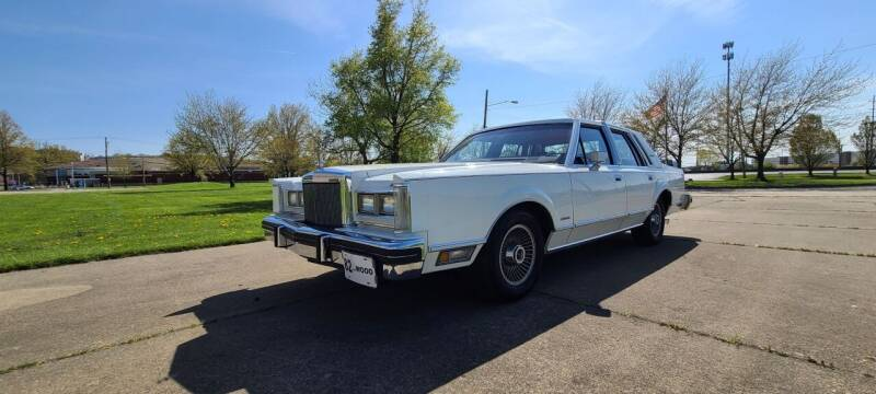 1982 Lincoln Town Car for sale at World Automotive in Euclid OH