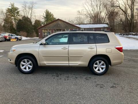 2010 Toyota Highlander for sale at Lou Rivers Used Cars in Palmer MA