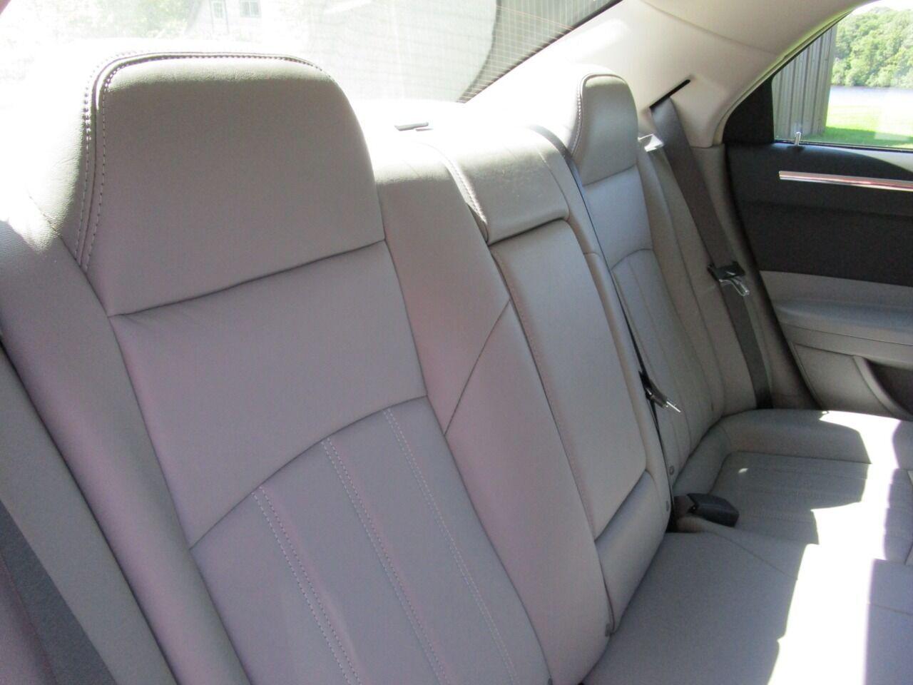 2006 Chrysler 300 66