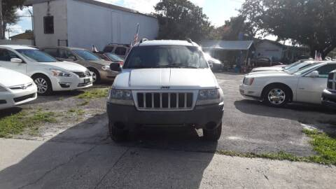 2004 Jeep Grand Cherokee for sale at DAVINA AUTO SALES in Casselberry FL
