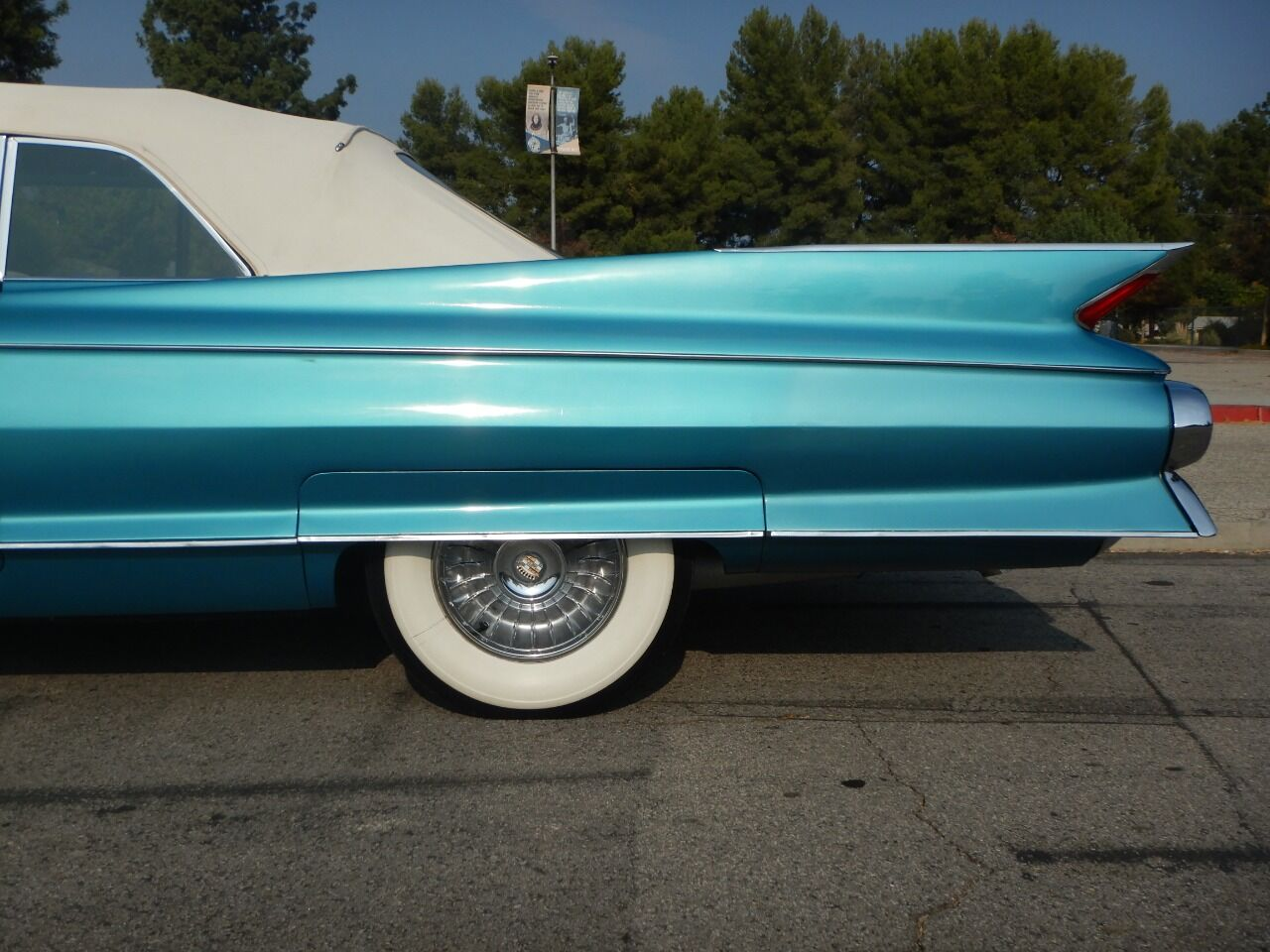 1961 Cadillac Eldorado Biarritz 13