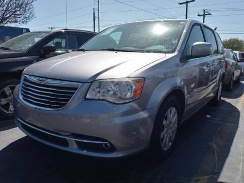 2014 Chrysler Town and Country for sale at Auto Plaza in Irving TX