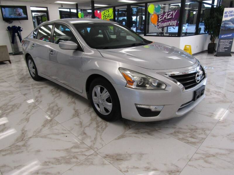 2015 Nissan Altima for sale at Dealer One Auto Credit in Oklahoma City OK
