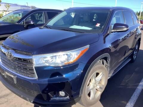 2014 Toyota Highlander for sale at Royal Moore Custom Finance in Hillsboro OR