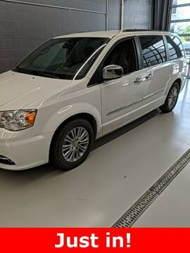 2014 Chrysler Town and Country for sale at MIDWAY CHRYSLER DODGE JEEP RAM in Kearney NE